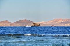 Relitto della nave del mare della nave in rosso fotografia stock libera da diritti