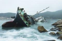 Relitto sulla costa Fotografie Stock