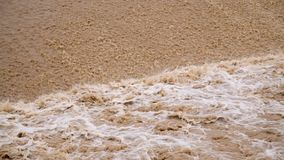 Relleno del dep?sito de agua sucia almacen de metraje de vídeo
