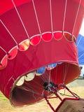 Relleno del globo del aire caliente Fotografía de archivo libre de regalías