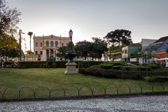 Relogiodas Flores Bloemklok en Garibaldi Palace binnen de stad in - Curitiba, Parana, Brazilië Stock Foto's