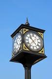 Reloj al aire libre adornado Imagenes de archivo