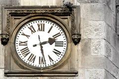 Reloj al aire libre viejo Fotografía de archivo
