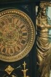 Reloj antiguo con los números romanos Foto de archivo libre de regalías