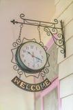 Reloj antiguo viejo (efecto procesado imagen filtrado del vintage ) Foto de archivo