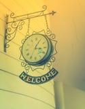 Reloj antiguo viejo (efecto procesado imagen filtrado del vintage ) Imagenes de archivo
