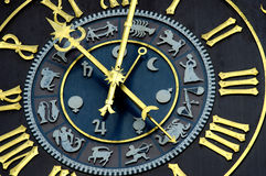Reloj astrológico Fotos de archivo libres de regalías