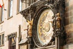 Reloj astronómico en Praga, República Checa Ciérrese encima de la foto Imágenes de archivo libres de regalías