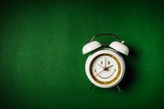 Reloj fondo verde