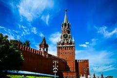 Reloj chiming de Kremlin de la torre de Spasskaya Moscú, Rusia fotos de archivo libres de regalías