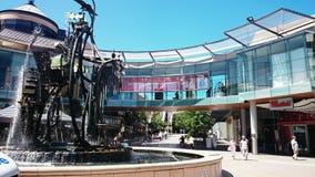 Reloj de agua delante del centro comercial de Westfield, Hornsby Australia Fotografía de archivo