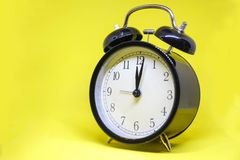 Reloj de alarma analogico Fotografía de archivo libre de regalías