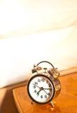 Reloj de alarma analogico Fotos de archivo libres de regalías