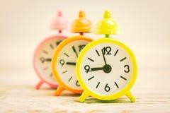 Reloj de alarma clásico foto de archivo