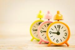 Reloj de alarma clásico fotografía de archivo