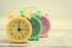 Reloj de alarma clásico foto de archivo libre de regalías
