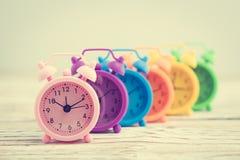 Reloj de alarma clásico fotografía de archivo libre de regalías
