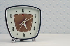 Reloj de alarma retro fotos de archivo
