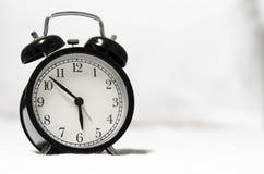 Reloj de alarma retro del estilo fotografía de archivo