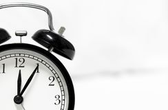 Reloj de alarma retro del estilo imagenes de archivo