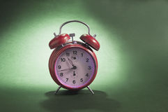 Reloj de alarma viejo Imagen de archivo
