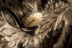 Reloj de bolsillo antiguo. Foto de archivo
