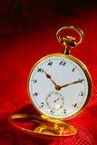 Reloj de bolsillo antiguo del oro de la Abrir-Cara Fotos de archivo
