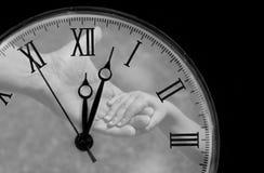 Reloj de bolsillo con las manos en dial Fotografía de archivo