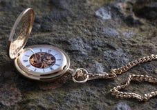 Reloj de bolsillo del oro Imagen de archivo