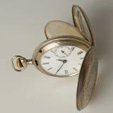 Reloj de bolsillo del vintage. Imagenes de archivo