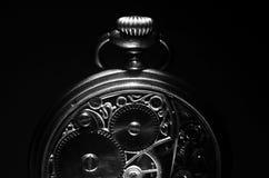 Reloj de bolsillo esquelético del vintage del mecanismo fotografía de archivo