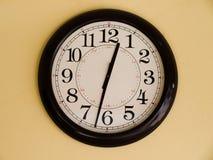 Reloj de Brown fotos de archivo