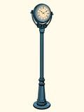 Reloj de la calle con las flechas en el dial Fotos de archivo