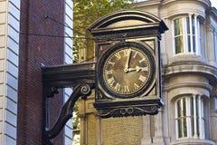Reloj de la calle en Londres, Reino Unido Fotos de archivo libres de regalías