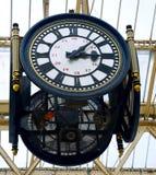 Reloj de la estación del Victorian Fotografía de archivo libre de regalías