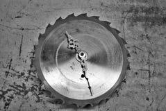 Reloj de la hoja de sierra Fotografía de archivo