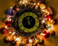 Reloj de la medianoche de la Feliz Año Nuevo 2017 Foto de archivo libre de regalías