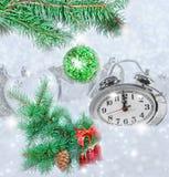 Reloj de la Navidad cinco minutos dejados Fotos de archivo