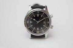 Reloj de lujo para hombre del buceador con la correa sintética aislada en blanco Foto de archivo libre de regalías
