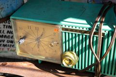 Reloj de Motorola del vintage en la exhibición fotografía de archivo