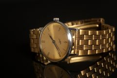 Reloj de oro del vintage Imagen de archivo