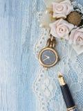 Reloj de oro, femenino Foto de archivo