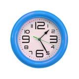 Reloj de pared aislado en el fondo blanco Foto de archivo