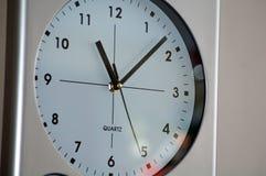 Reloj de pared grande Foto de archivo libre de regalías