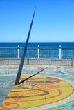 Reloj de sol del mosaico con las muestras del zodiaco Fotos de archivo libres de regalías