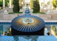 Reloj de sol en el hotel de Oberoi Udaivilas Foto de archivo libre de regalías