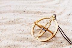 Reloj de sol en la arena Fotografía de archivo libre de regalías
