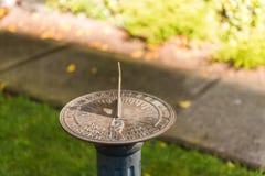 Reloj de sol ornamental en el parque de la hada en San Francisco foto de archivo libre de regalías