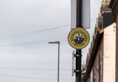 Reloj de vecindad foto de archivo