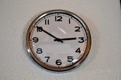 Reloj decorativo en la pared foto de archivo libre de regalías
